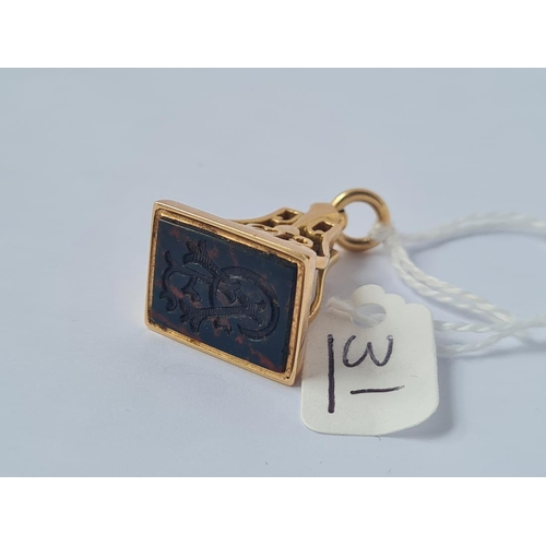 31 - AN ATTRACTIVE FOB SEAL IN 15CT GOLD - 12gms