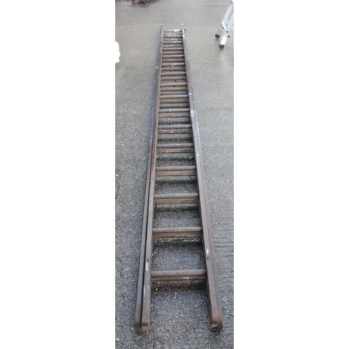 106 - Extending ladders...