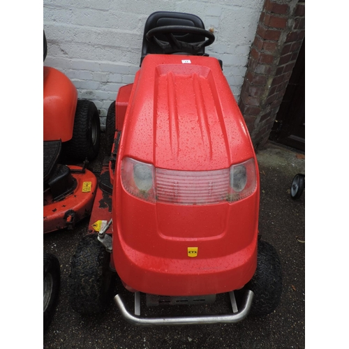 17 - Countax C800H Honda engine Ride-On lawn mower...
