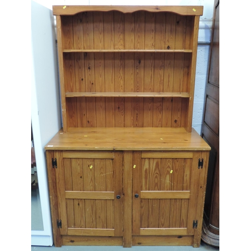 186 - Pine dresser - 49''x 22''x 76''...