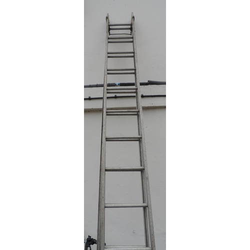 22 - Extending Aluminium ladders...