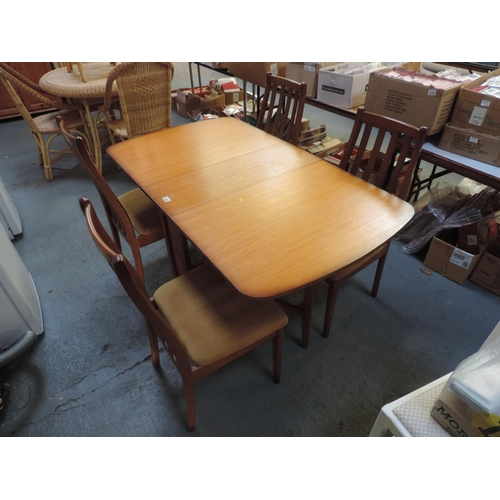 324 - Drop-flap kitchen table and 4x chairs...