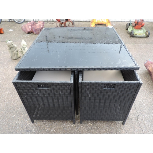 40 - Modern black rattan set garden table and 4x chairs with cushions...