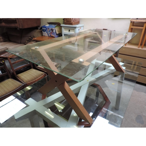 413 - Modern glass-top coffee table...