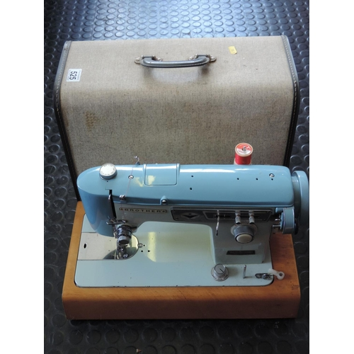 525 - Sewing machine...