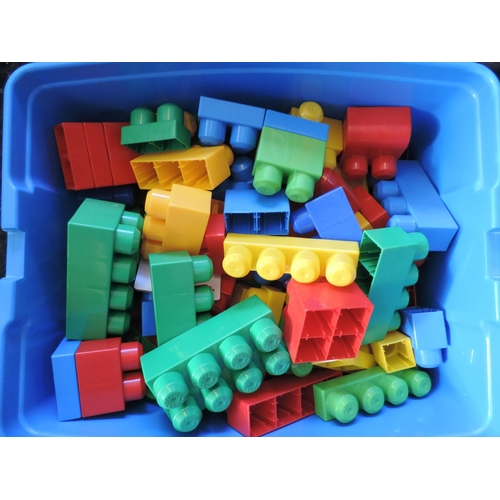 621 - Plastic box and contents - Megabloks...