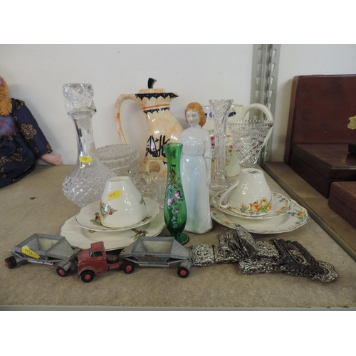 661 - Misc china, glassware, white metal belt etc...