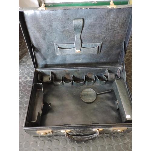 705 - Vanity case...
