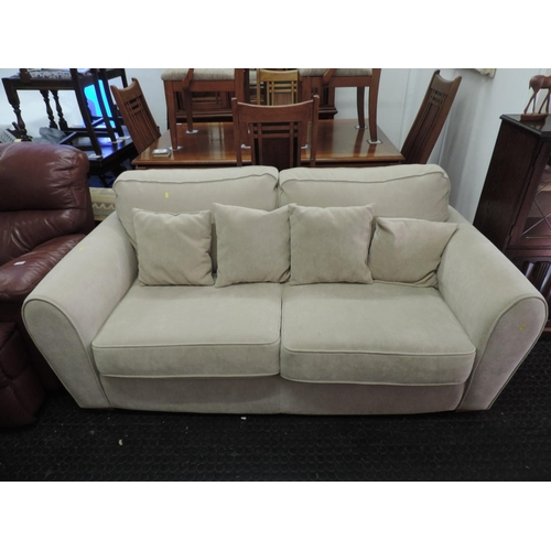 710 - Modern upholstered fabric settee...