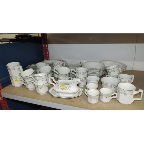 779 - Quantity of Eternal Beau china...