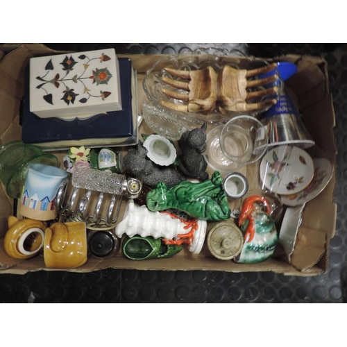 782 - Box of misc china...