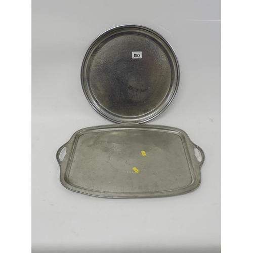 852 - 2x White metal coloured trays...