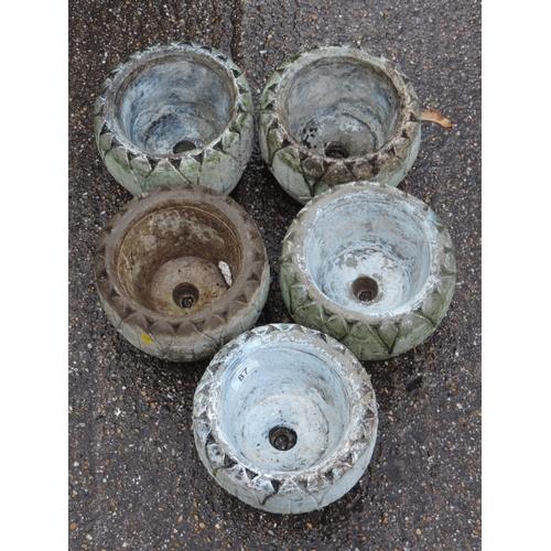 87 - 5x Concrete garden planters...