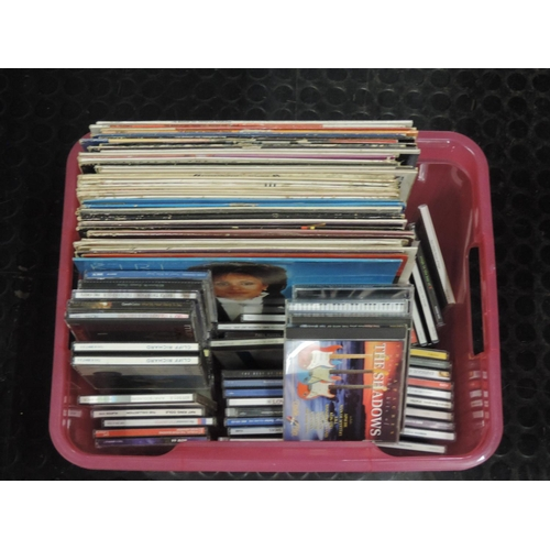 899 - Box of CDs and LPs...
