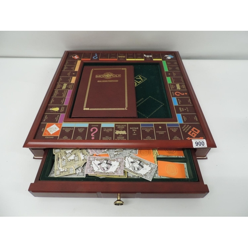 900 - Collector's edition Monopoly set...