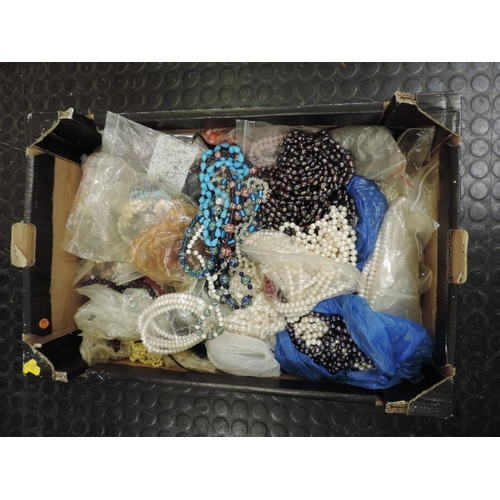 903 - Box of hardstone jewellery etc...