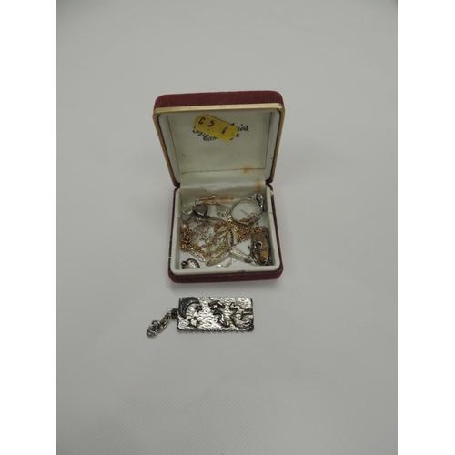 943 - Jewellery...