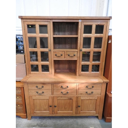 728 - Good quality modern Oak dresser - 63''x 23''x 79''...