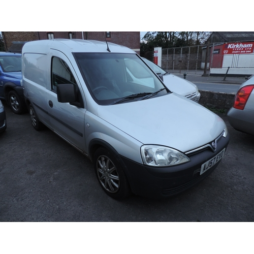 10F - Vauxhall Combo Van 1.7 diesel  MOT 14th December 2016  178,771 recorded miles  AJ57 EYO...