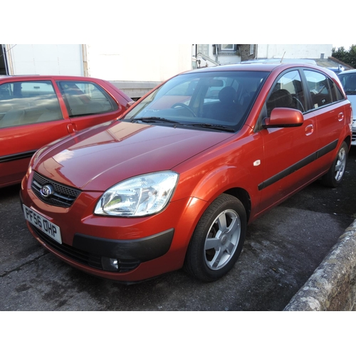 10B - Kia Rio 1.5 diesel  MOT April 2017 165,910 recorded miles  PF56 OHP...