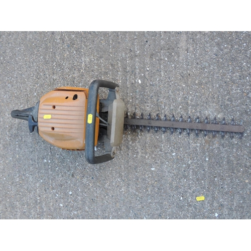 92D - McCulloch petrol hedge trimmer...