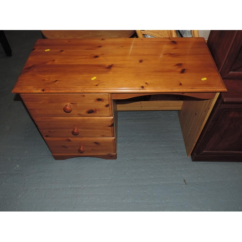 335D - Three drawer Pine desk...