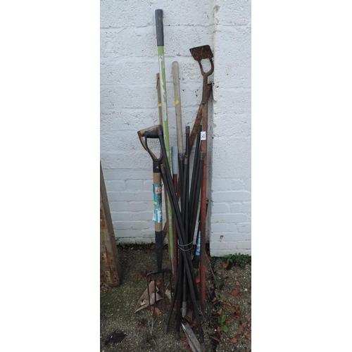 12 - Quantity of Garden Tools - Drain Rods etc...