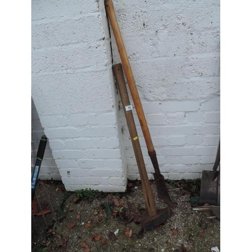 14 - Log Splitting Maul and Hook...