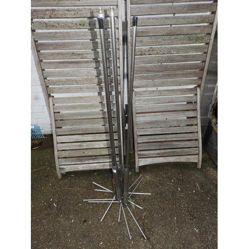29 - Metal Stands...