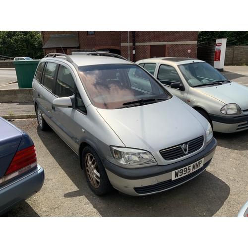 20B - Vauxhall Zafira - W995MNP mot expired...