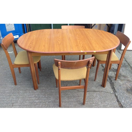 1075 - Dining Table and 4x Chairs...