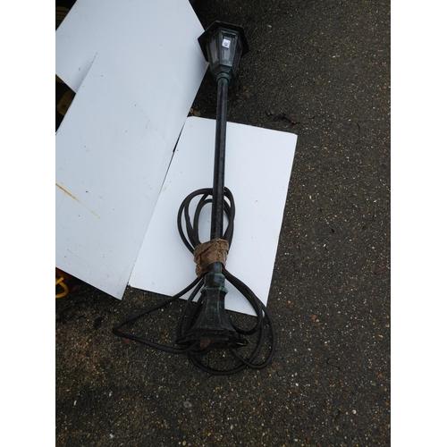 40 - Decorative Electric Garden Lamp...