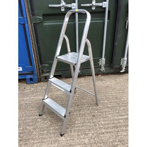 62 - Aluminium Step Ladder
