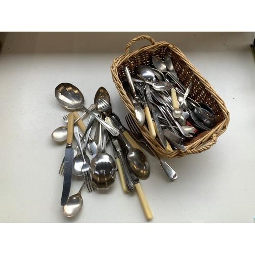471 - Basket of Cutlery