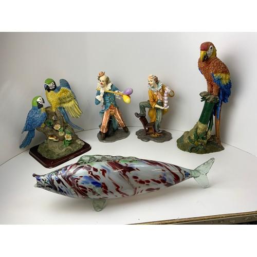 376 - 2x Clown Ornaments, 2x Parrot Ornaments and Glass Fish