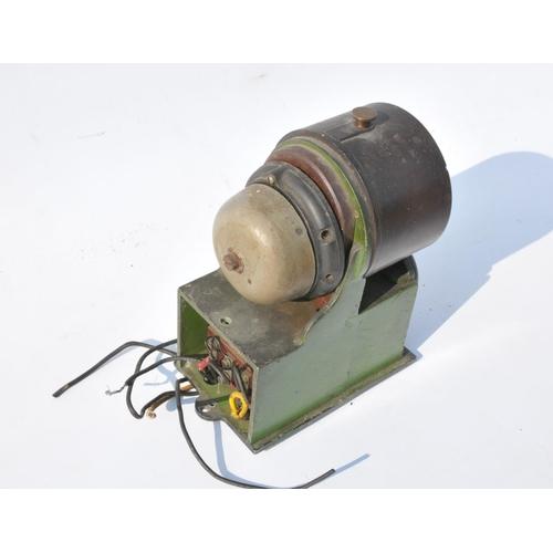 1 - Bakelite In/Out repeater with switch mounted on green switch  box....