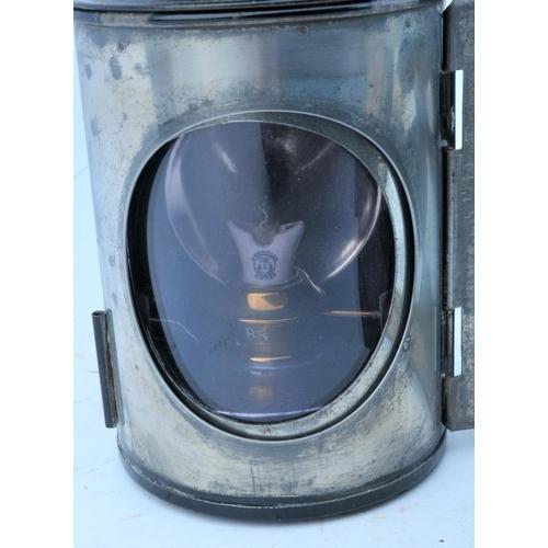 31 - British Railways handlamp & BR(W) oil can. (2) (Postage Band: N/A)