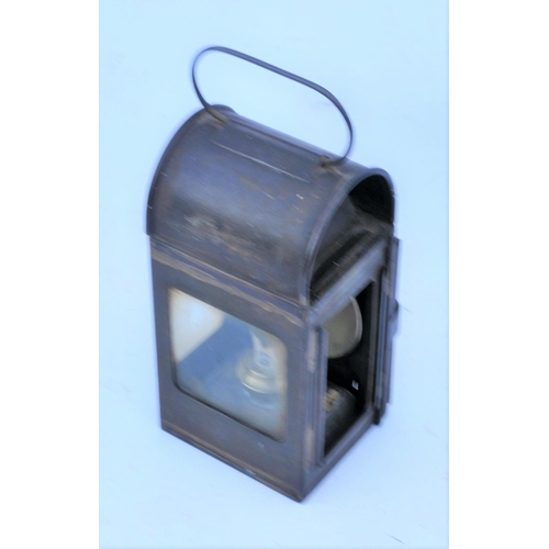 40 - British Railways (Western) locomotive gauge glass lamp. (Postage Band: B)