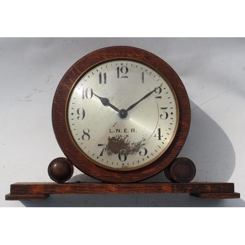 18 - London North Eastern Railway 1930's mantle clock No. 11676, 6