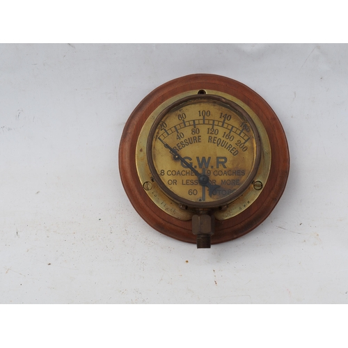 28 - Great Western Railway locomotive carriage heating steam pressure gauge, case rim stamped 23.11.01. m...
