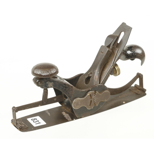 831 - A STANLEY No 113 circular plane with orig iron G