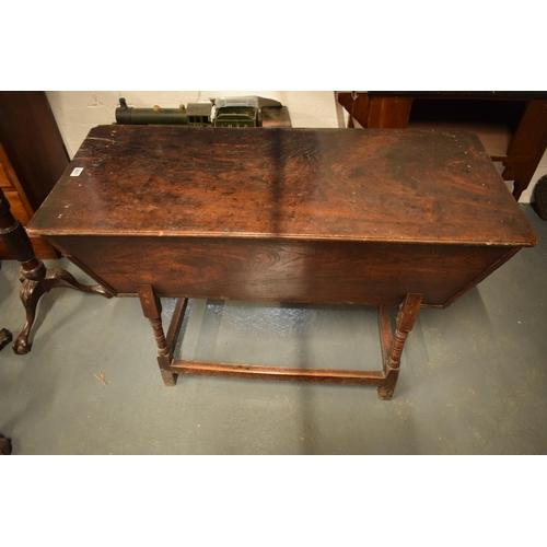 Victorian oak raised dough bin