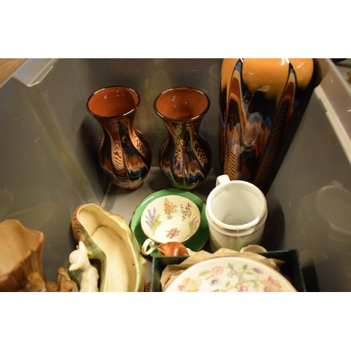 5A - A mixed collection of items to include Murano style fish, Minton Haddon Hall Bowl, Hornsea etc. Cond...