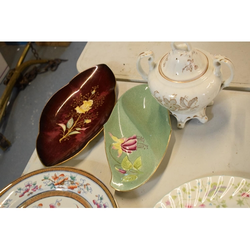 5 - A mixed collection of items to include Minton dinner plates, Royal Doulton, Carlton Ware etc. Please...