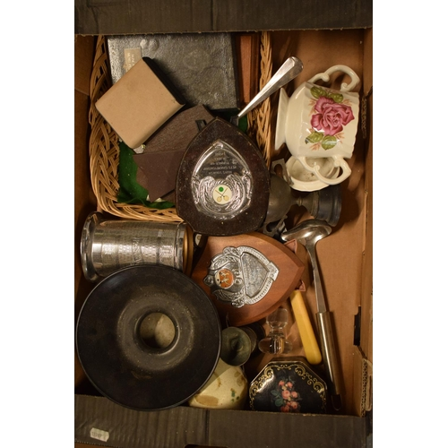10i - A mixed collection of items to include pottery, trophies, metalware etc. Condition is mixed. No cond...