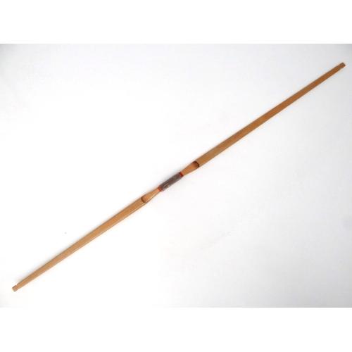 139 - Archery : a ' Slazenger of London ' 20 lbs 50 24 ' bow , 53'' long....