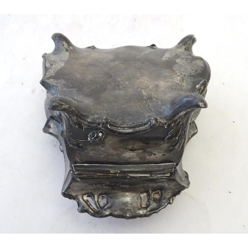 821 - A manner of WMF cast metal ring box / jewellery casket with Art Nouveau detail. Approx. 2 3/4