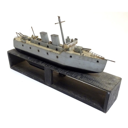 827 - Toy: A WW2 (World War Two) era scratch built model of a floating model of a destroyer boat / ship, t...