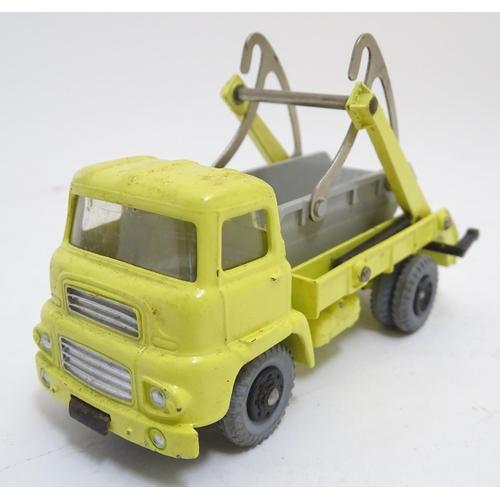 740 - Toy: A Dinky Supertoys die cast scale model Marrel Multi Bucket Unit with windows, model no. 966. Bo...