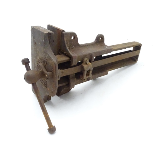 28 - An early 20thC Bench vice marked ' Parkinson's Ptnd....
